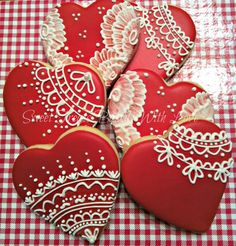 Wedding Shower Heart Cookies Piped Lace and Brush Embroidery : Wedding Shower Heart Cookies Piped Lace and Brush Embroidery Valentine's Day Sugar Cookies, Fancy Cookies, Heart Cookies, Iced Cookies, Cute Cookies, Royal Icing Cookies, Cupcake Cookies, Summer Cookies, Cookie Favors