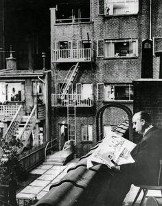 Alfred Hitchcock en el set de 'La ventana indiscreta'