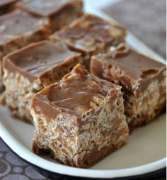 Kit Kat Bites - They taste just like a Kit Kat and are so easy to make!