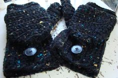 Need to find a little-girl-sized pattern so i can make these convertible fingerless mittens for my little nieces.