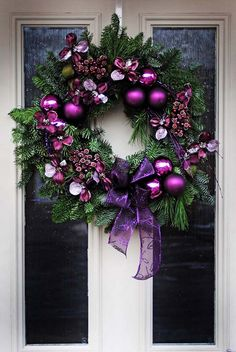 28 Charming Purple Christmas Decorations For Maximum Appeal Christmas Wreath In Purple - Door Purple Christmas Decorations, Christmas Door Wreaths, Holiday Wreaths, Purple Christmas Tree, Advent Wreaths, Winter Wreaths, Xmas Trees, Magical Christmas, Outdoor Christmas