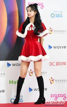 Twice-Tzuyu 191225 SBS Gayo Daejeon 2019 sexy asian girls Redhead Girl, Brunette Girl, Tzuyu Body, Pretty Blonde Girls, Nurse Costume, Chaeyoung Twice, Sexy Nurse, Wonder Women, Merry Christmas