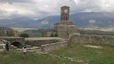 All'interno delle mura del Castello di Argirocastro