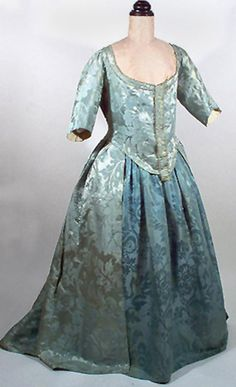 18th Century C. 1770s Blue Silk Damask Robe a l'Anglaise or Open Gown