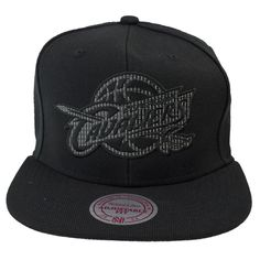 Mitchell & Ness Lustrous Snapback Cap Cleveland #fashion #nba #cap http://www.rudestylz.de/mitchell-lustrous-cleveland.htm