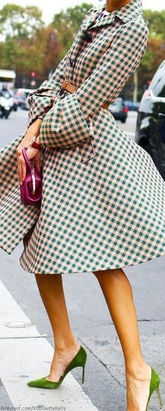 Checkered trench and green heels = spring perfection