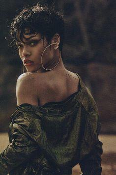 15 New Rihanna Pixie Hair Estilo Rihanna, Mode Rihanna, Rihanna Style, Rihanna Fenty, Rihanna Short Hair, Rihanna Pixie Cut, Good Girl Gone Bad, Black Is Beautiful, Beautiful Women