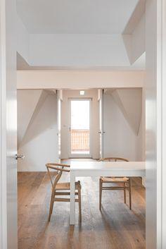 Creative Attic storage insulation,Attic remodel tips and Grey attic bedroom. Attic House, Attic Loft, Garage Attic, Attic Ladder, Attic Office, Attic Playroom, Attic Renovation, Attic Remodel, Attic Bedroom Storage