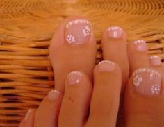 I would put a dark color behind it so the flowers would show. Sexy Nails, Cute Nails, Pretty Nails, Pretty Toes, French Manicure Toes, Manicure And Pedicure, Toe Nail Designs, Nail Polish Designs, Art Designs