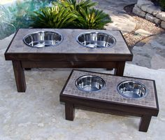 Handmade Raised Tile-Topped Pet Feeder-Our Great Dane would love this. Tile Projects, Animal Projects, Ana White, Leftover Tile, Tile Crafts, Dog Feeder, Do It Yourself Home, Dog Houses, Diy Stuffed Animals