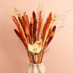 Autumn Hues! 🍂 🍁 🍂  . . 📸 F L O & T W I N E : IG: flo_and_twine S U S T A I N A B L E • D R I E D • P R E S E R V E D  E V E R L A S T I N G • B L O O M S . Thank you for sharing with us!  . . XO, AVAS FLOWERS