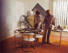 scanned from a interior deign book Retro Interior Design, Cafe Interior, Interior Design Living Room, Interior Decorating, Room Interior, 1970s Decor, Retro Home Decor, Retro Room, Room Paint Colors