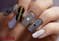 Unique and fancy EXO inspired acrylics/nail art- looks we catchy even though there are only four colours with each nail a different design- the maze pattern looks so cool but probably really hard to do!