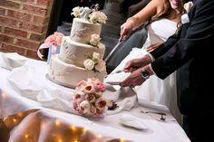 Washington DC, Northern Virginia and Maryland wedding photographer / Lola Snaps Photography / The Grand Atrium in Vienna, Virginia #repin cream wedding cake