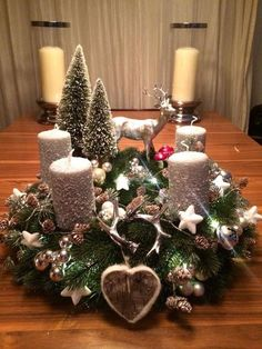 Filling Your Home with Favorite Christmas Scents- Pink Candles Artificial fir tree as Christmas decoration? An artificial Christmas Tree or a real one? Centerpiece Christmas, Easy Christmas Decorations, Christmas Candles, Christmas Themes, Silver Christmas, Simple Christmas, Christmas Wreaths, Christmas Crafts, Christmas Christmas