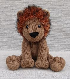 Free pattern knit lion i love the wizard of oz this reminds me lovable lion pattern by lorraine pistorio dt1010fo