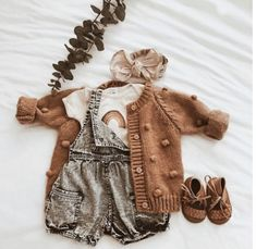 Baby Outfits For Girls Fall Children Ideas Baby Girl Fashion, Toddler Fashion, Fashion Kids, Baby Kind, Baby Love, Little Babies, Cute Babies, Outfits Niños, White Outfits