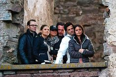 Am Abend freuen sich Prinz Daniel, Prinzessin Victoria, Prinzessin Madeleine, Chris O'Neill, Prinz Carl Philip und Sofia Hellqvist auf das Geburtstagskonzert ...