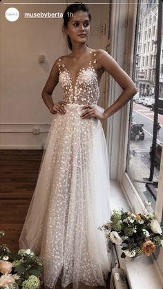 256 Best Wedding Dresses images in 2019  8369598ec4b9