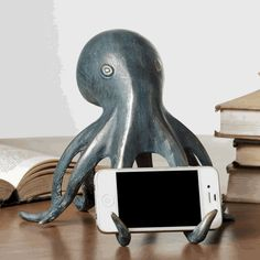 Octopus Cellphone Holder with Bluetooth Speaker - The perfect bedroom accessory!