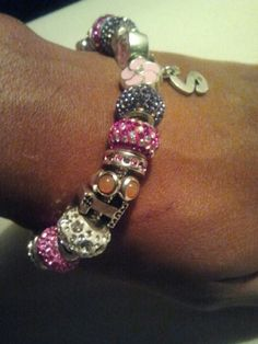 Cute charm bracelet you can get and personalized at Kay jewlers