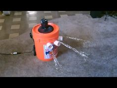 There are still a few sweltering days of summer left, and if you're looking for a cool breeze without the expense of an actual air conditioning unit here's a way to use a bucket and some ice to cool down an entire room.