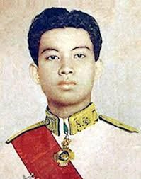 Build your life better: Biography of episode Upon the reign of the late King Father Norodom Sihanouk French History, American History, Cambodian People, King Do, Caroline Kennedy, Fashion History, Mom Fashion, People Of The World, Angkor