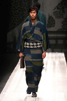 Contemporary Kimono Couture - The Jotaro Saito Fall/Winter 2013 Collection is Orient Infused (GALLERY)