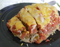 mexican meatloaf- can make in the crockpot! Taco seasoning in meatloaf mix, tomatoes w/ green chilis on top! Low Fat Low Carb, High Protein Low Carb, High Protein Recipes, Fat Foods, No Calorie Foods, Low Calorie Recipes, Mexican Food Recipes, Crockpot Recipes, Snack Recipes