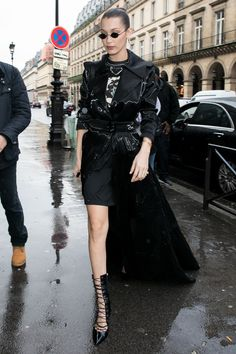 Celebrities at Fashion Week: Paris Couture and Beyond - Bella Hadid style, braids, hair Bella Hadid Outfits, Bella Hadid Style, Fashion Models, Teen Fashion, White Fashion, Gothic Fashion, Fashion Outfits, Sport Style, Cultura Rave