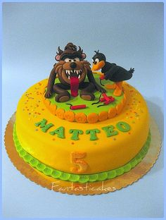 Torta Tazmania e Daffy Duck / Tazmania and Daffy Duck Cake. Learn How to Decorate Cakes - Visit Online ABC Cake Decorating Classes on http://CakeDecoratingCoursesOnline.com