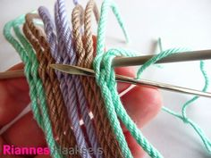 RiannesHaaksels: Ply split braiding #2 Plant Hanger, Band, Elsa, Tapestry, Purses, Knitting, Sewing, Crafts, Diy