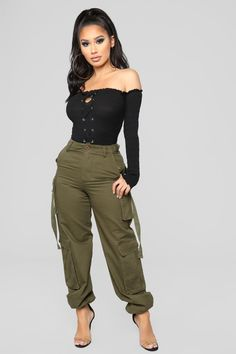Bellami Off The Shoulder Long Sleeve Sweater - Black – Fashion Nova Casual Fall Outfits, Grunge Outfits, Stylish Outfits, Summer Outfits, Girl Outfits, Cute Outfits, Cute Fashion, Fashion Pants, Fashion Outfits