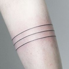lines Have a great day guys! _______________________ #rachainsworth #finelinetattoo #linetattoo #armbandtattoo #minimal