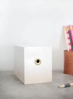 Give your pencil sharpener a sweet little makeover to match your desk accessories! Home Crafts, Diy Crafts, Diy Inspiration, Office Organization, Organized Office, Organizing, Diy Cabinets, Diy Home Improvement, Diy Accessories