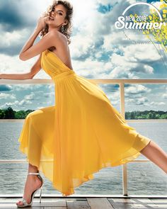 Disponibila pe www. Boho Style Dresses, Women's Fashion Dresses, Fashion Heels, High Street Dresses, Split Prom Dresses, Feminine Dress, Colourful Outfits, Mellow Yellow, Dress Collection