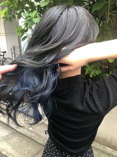ベース→ブルーシルバー インナー→ブルー Hair Color Streaks, Hair Dye Colors, Hair Color Blue, Blue Hair, Kpop Hair Color, Korean Hair Color, Black Hair Dye, Brown Blonde Hair, Underdye Hair