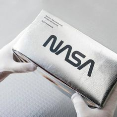 Weekly Inspiration Dose 088 - Indieground Design #graphicdesign #design #art #inspiration #nasa #futuristic #space #box #chrome #packaging Layout Design, Web Design, Logo Design, Design Art, Identity Design, Visual Identity, Brand Identity, Nasa, Limited Edition Packaging