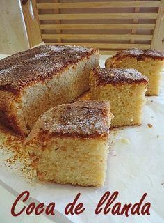 Hoy os traigo una receta tradicional de la Comunidad Valenciana Coca de llanda o coca boba como también es conocida.La coca de llanda se ho...