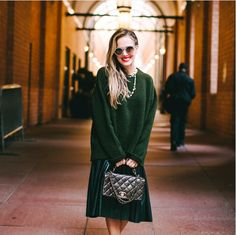 I shot this look while my stay in New York For NYFW. I love this green zara leather effect skirt. Monochrome Fashion, Go Green, Leather Skirt, Sequin Skirt, Dress Up, Zara, Style Inspiration, Chic, Wander