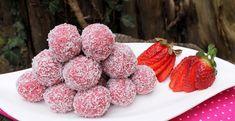 Epres golyók sütés nélkülfoo Christmas Biscuits, Something Sweet, Raspberry, Food And Drink, Yummy Food, Sweets, Cookies, Meat, Fruit