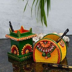 eCraftindia Papier Mache Pen Stand 2 Pcs - Add oodles of style to your home with an exciting range of designer furniture, furnishings, decor items and kitchenware. We promise to deliver best quality products at best prices. Art N Craft, Craft Stick Crafts, Craft Work, Clay Crafts, Diy Art, Craft Ideas, Diy Crafts Hacks, Diy Home Crafts, Creative Crafts
