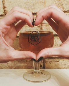 Forget chocolate - give them beer. Sending you all the warmest loviest vibes today  #Valentinesday #beer #thebestgift