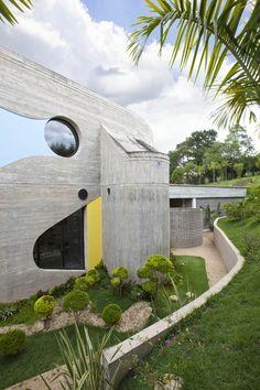 Http://www.trendhunter.com/trends/optical Glass House. See More. Casa Em SP  Carrega Marca De Ruy Ohtake
