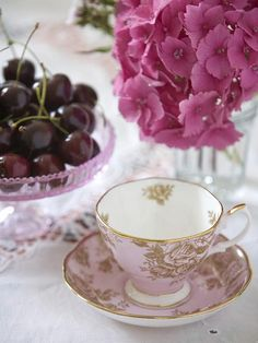 ♡♡ Fabulous! ♡♡ That is MY cup and saucer! Barbara