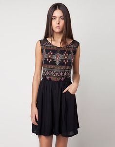 Discover the lastest trends in fashion in Bershka. Buy online shirts, dresses, jeans, shoes and much more. The Dress, Dress Skirt, Frack, Tribal Dress, I Love Fashion, Womens Fashion, Simple Dresses, Pattern Fashion, Neue Trends