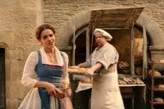 'A Bela e a Fera': nova cena mostra Emma Watson cantando 'Belle'  http://popzone.tv/2017/02/a-bela-e-a-fera-nova-cena-mostra-emma-watson-cantando-belle.html
