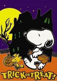 Peanuts Snoopy and Woodstock Halloween Items, Halloween Signs, Halloween Art, Holidays Halloween, Vintage Halloween, Happy Halloween, Halloween Images, Halloween Village, Halloween Season