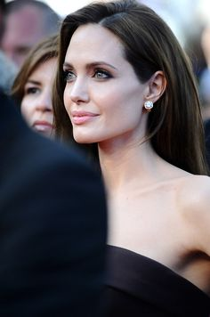 .angelina jolie beauty make up hair hairstyle