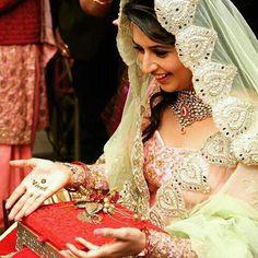 Divyanka tripathi's engagement photo!